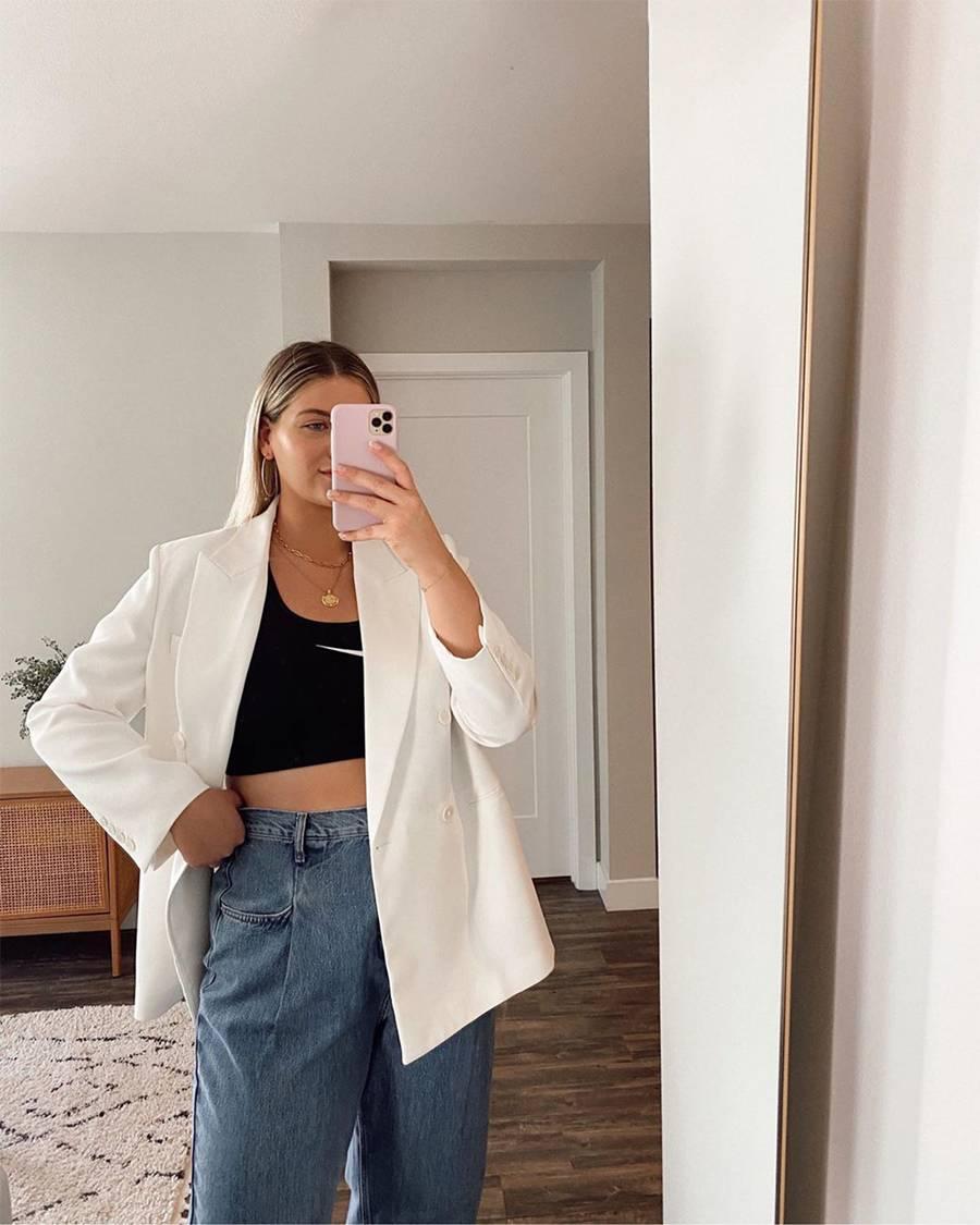 calça jeans larga tendências esportivas 2021